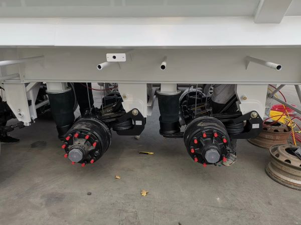tipper trailer with airbag suspension